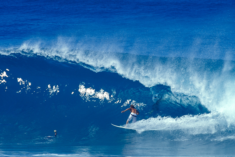 Powerful-Surfing-Waves-of-Hawaii